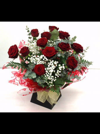 12 x Red Roses Boxed